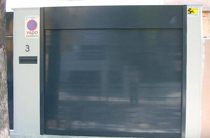 Cierre enrollable con lamas lisas de aluminio (e4078-1)