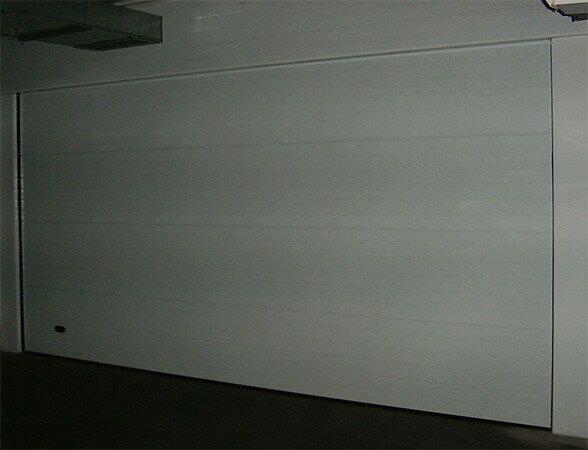 Seccional panel tipo sandwich liso (e2597)