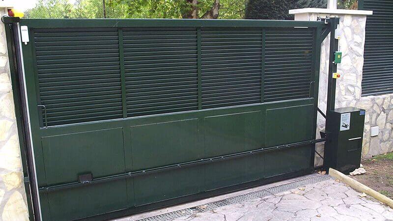 Sistema de seguridad integral puerta deslizante cancela