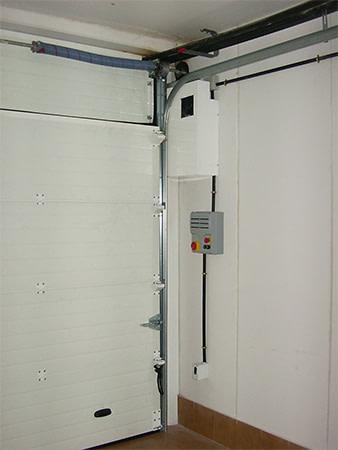 Seccional. Automatización mediante accionamiento directo a eje (e2597-1)